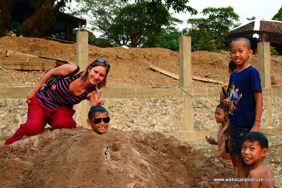 Dzieciaki w Laosie