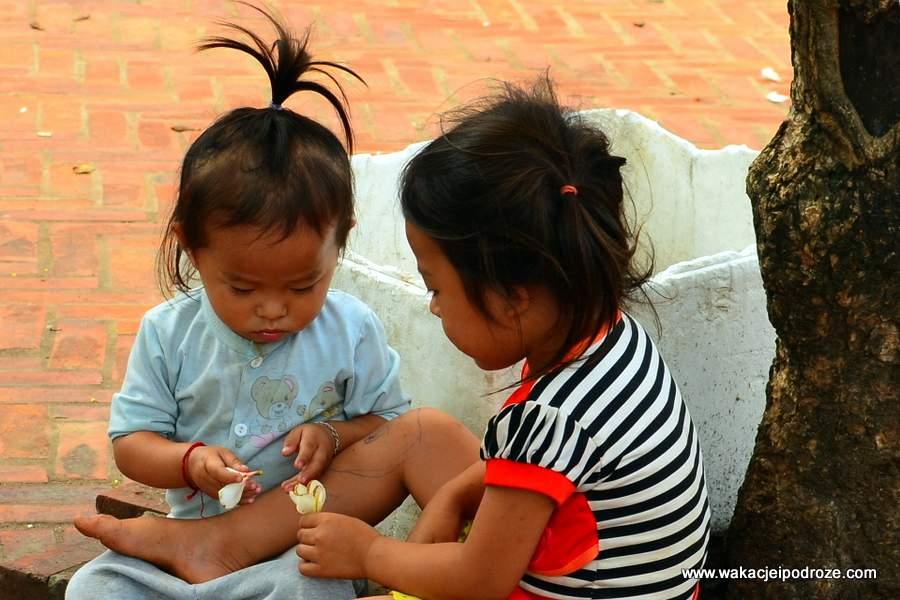 laos-dzieci