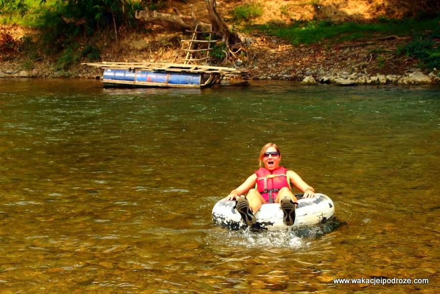 Tubing Laos